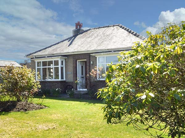 EUSEBANK, open fire, off road parking, great touring base, near lake, Pooley, holiday rental in Askham