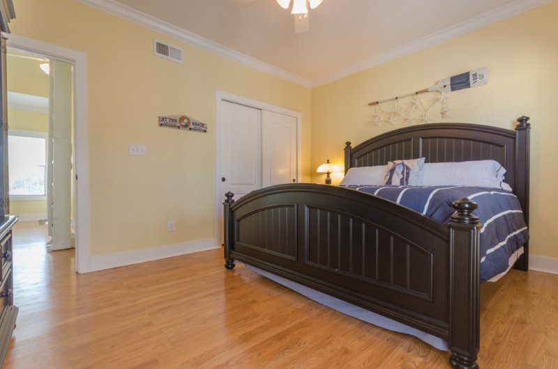 Bed,Bedroom,Furniture,Hardwood,Floor