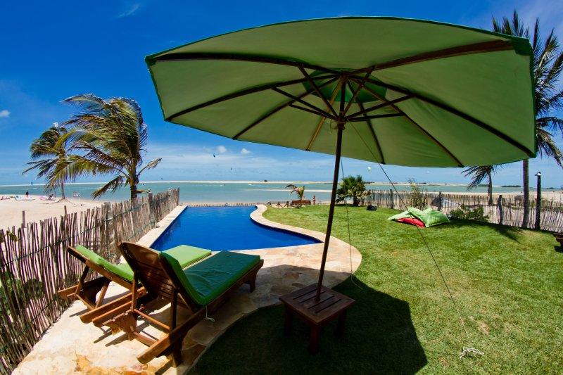 The Windvillage Waterfront Bungalows, Garden & Spa!, vacation rental in Itarema
