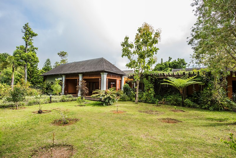 Nid Jo - Unique villa in the Heart of Mauritius, holiday rental in Bel Ombre