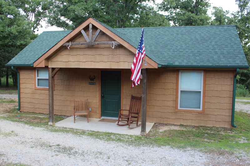 Antler Ridge Cabins, holiday rental in Sulphur