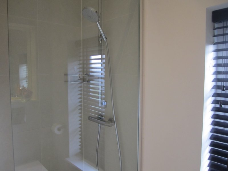 Extra large shower cubicle with power shower.