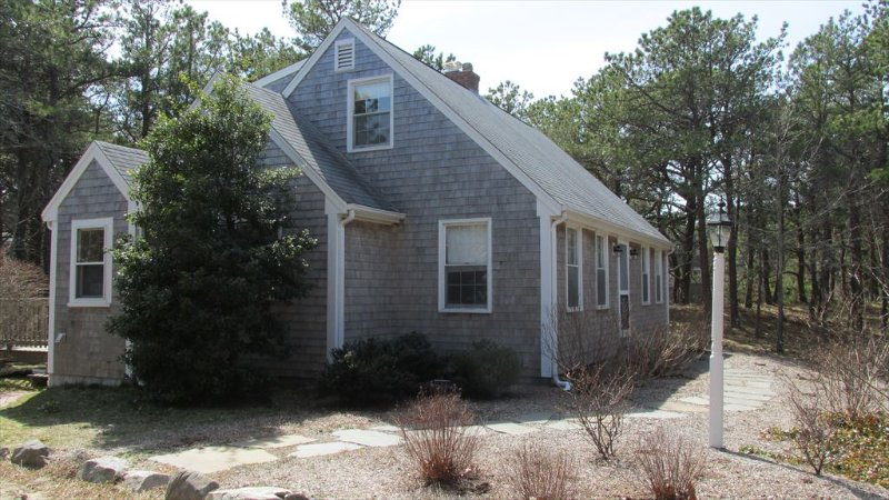 Raymond (Gill) 78930, vacation rental in Eastham