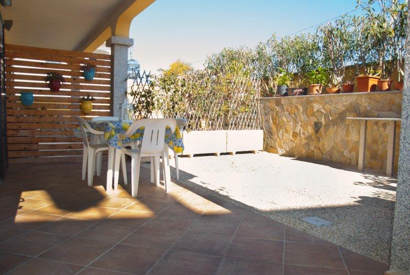 Casa Arco Blu due passi dal mare!, vacation rental in La Caletta