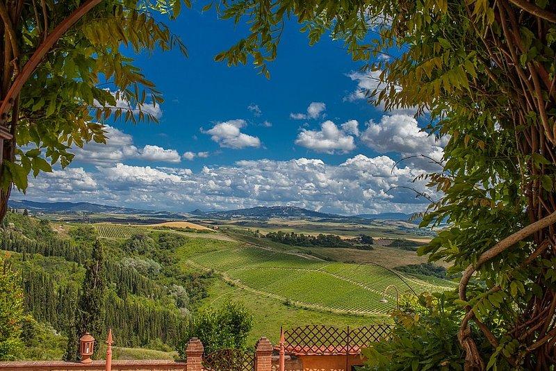 Fabbrica Villa Sleeps 13 with Pool Air Con and WiFi - 5228883, casa vacanza a Peccioli