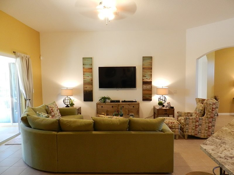 184YSD. Modern 5 Bed 4 Bath Pool Home in Watersong Resort, vacation rental in Orlando