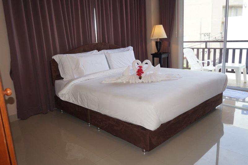 Kata Beachwalk Deluxe Double Room with large Balcony, holiday rental in Kata Beach