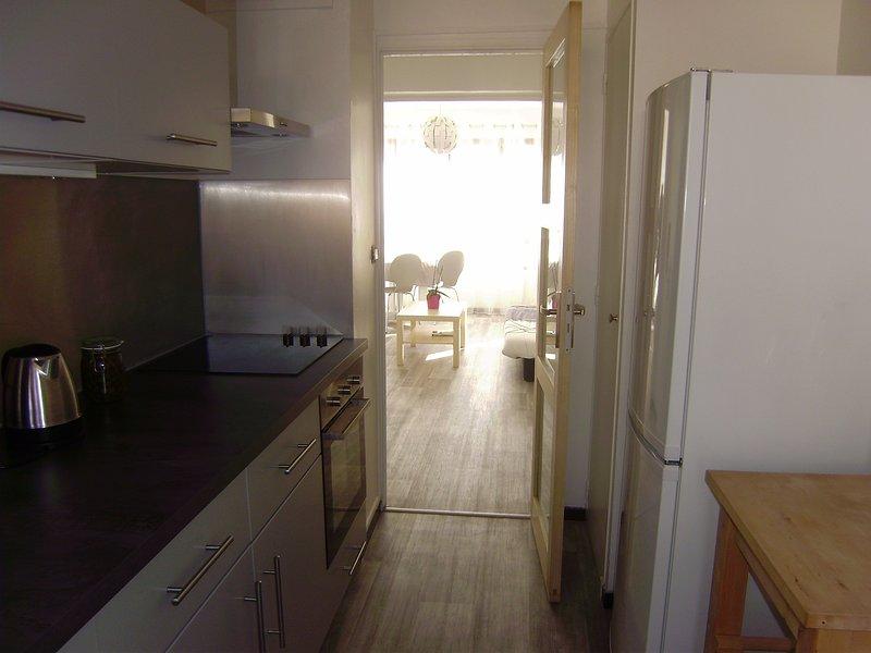 Fully equipped kitchen, oven, LP oven, dishwasher, fridge / freezer,
