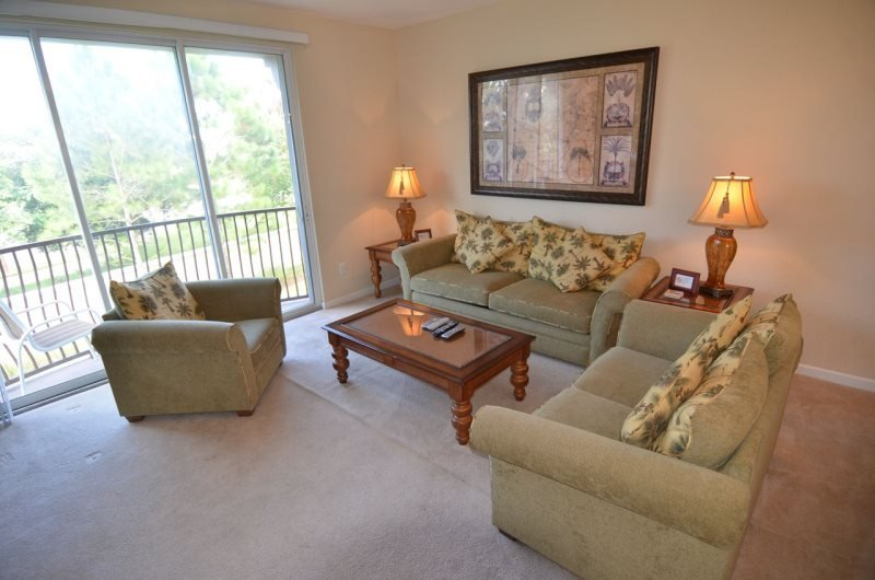 5038TVC-19. Luxurious 3 Bed 3.5 Bath Executive Town Home Located in Vista Cay, vacation rental in Orlando