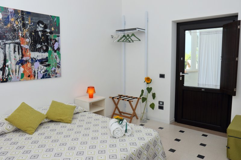 La Bella Trani - Double room, holiday rental in Trani