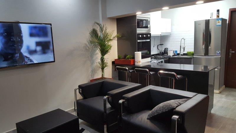 dies ist das Wohn- / Esszimmer und Küche alle grundlegenden Geräte sind verfügbar