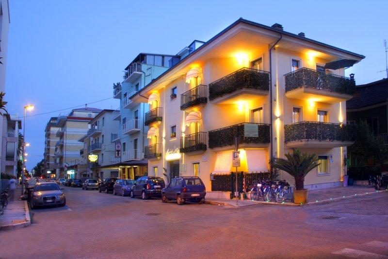 Appartamento Mare San Benedetto del Tronto, vacation rental in San Benedetto Del Tronto