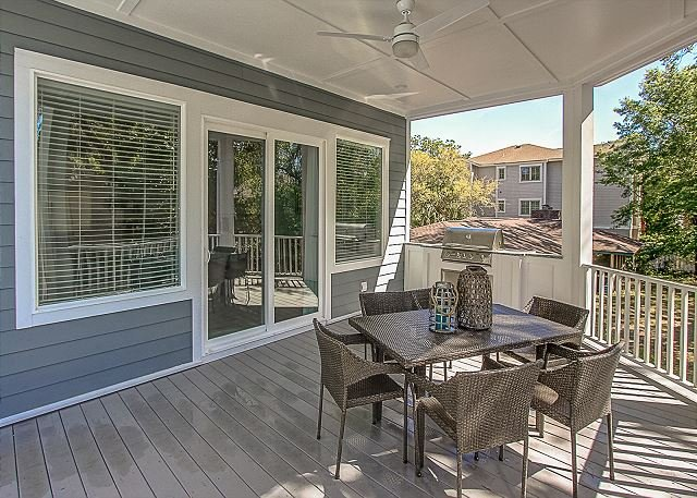 Outside Dining/Grilling Area