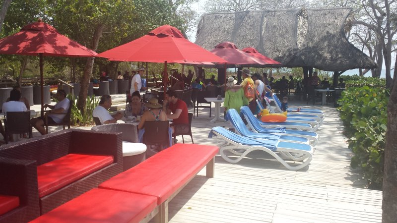 Decameron beach bar en restaurant