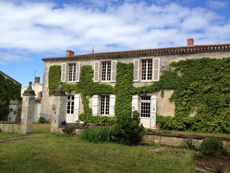 fachada lateral del jardín