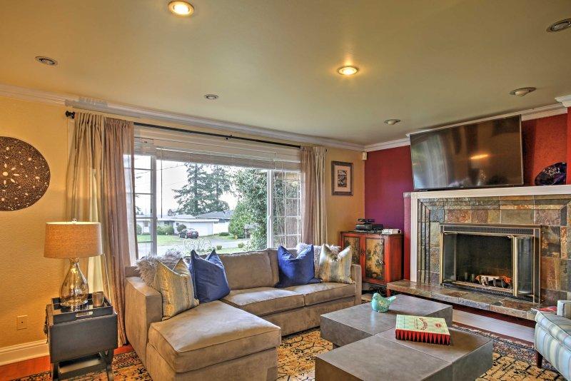 La maison dispose de 2300 pieds carrés d'espace de vie confortable.