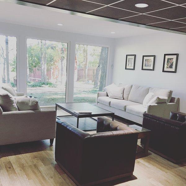 Quiet Neighborhood 5,000 sq ft Estate w/Indoor Pool on Large Lot, location de vacances à Flower Mound