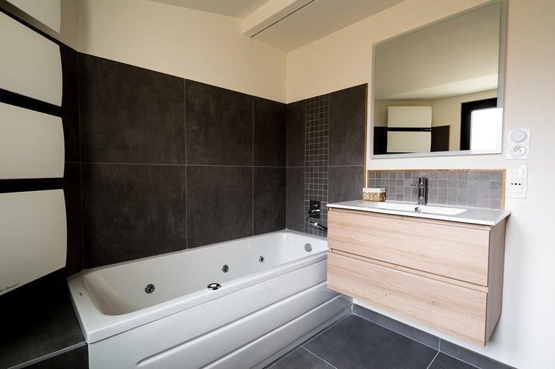 Salle de bain balnéo L'ORANGER