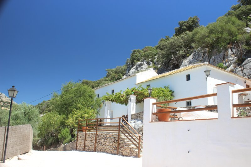'Las Estrellas' self catering at Cortijo de los Cien Canos, holiday rental in Riofrio