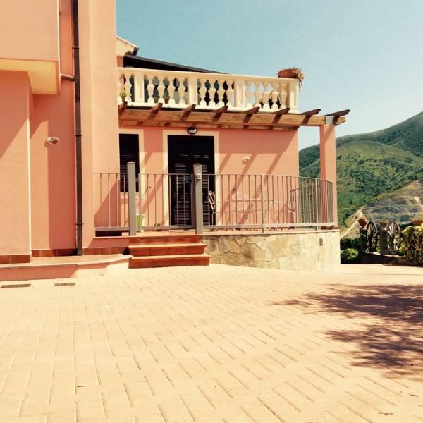 Il giardino degli ulivi, vacation rental in Borghetto Santo Spirito