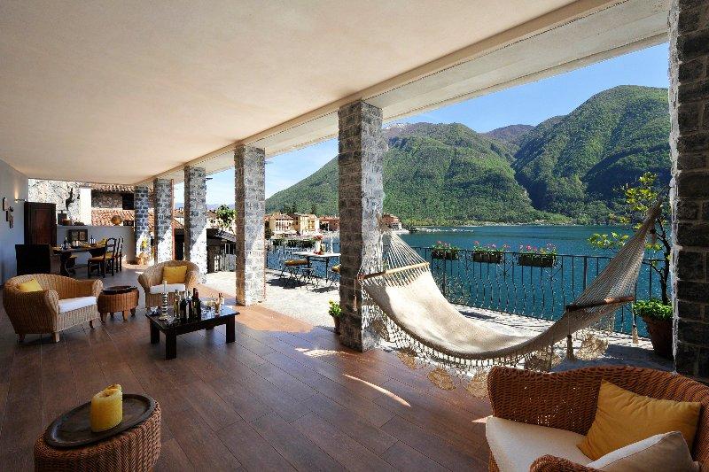 Hermosa terraza cubierta