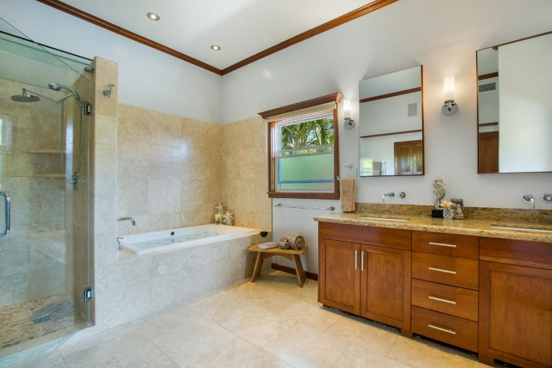 The gym bathroom has a steam shower to soothe those achy muscles, should you choose to work out on vacation!