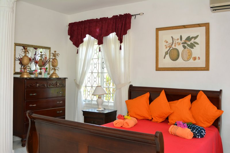 Paradise Palms Jamaica Villa Montego Bay, holiday rental in Saint James Parish