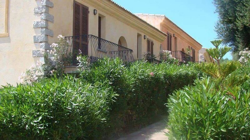 Appartamento con piscina, vacation rental in Badesi
