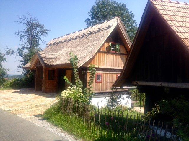 Urlaub im Schilcherland im schilfgedeckten 'Kellerstöckl', holiday rental in Eibiswald