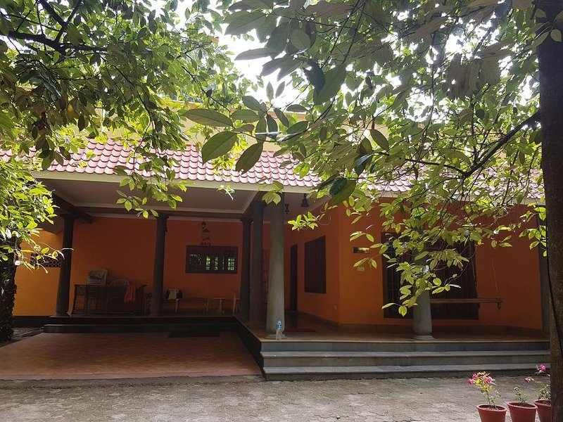The Isle by Area 707 - 3 Bedroom Villa, holiday rental in Athani