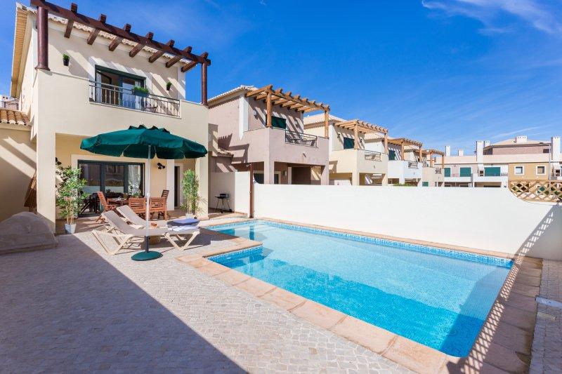 Villa 32 Divine Algarve, holiday rental in Burgau