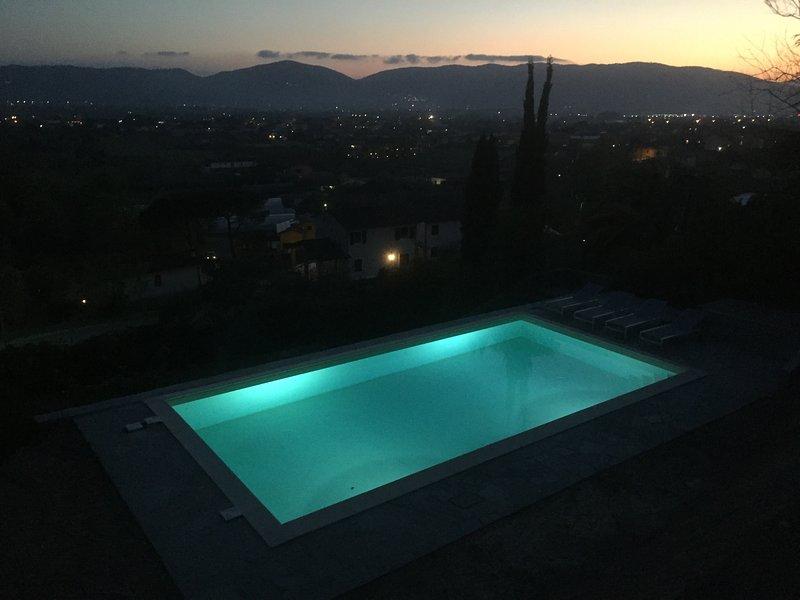 Villa Collina del Sole - Pool by night