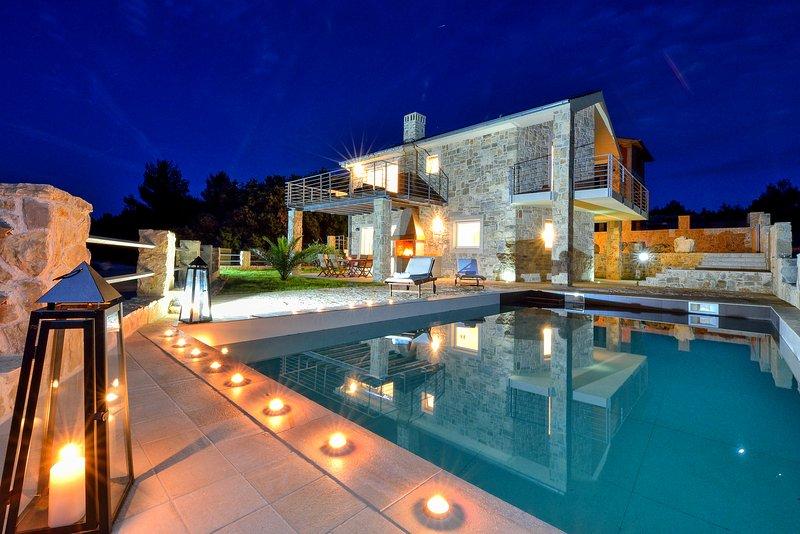 Amazing Villa Elle, 1m from the sea, location de vacances à Zaton