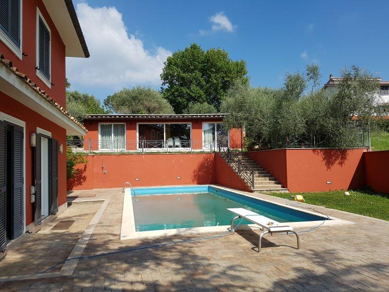 Il Ciclamino villa con piscina Roma Nord, holiday rental in Monterotondo Scalo