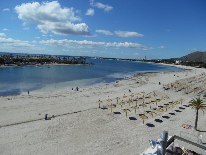 Penthouse , sea views, alquiler de vacaciones en Port d'Alcudia