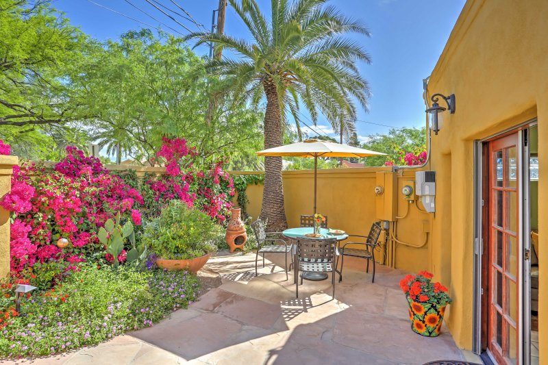 Tucson Cottage w/ Patio - Mins From Downtown & UA!, holiday rental in Tucson