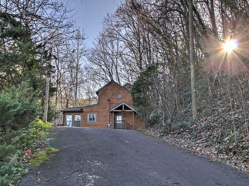 Você vai adorar a localização desta cabine para muitas atrações nas proximidades de Gatlinburg!