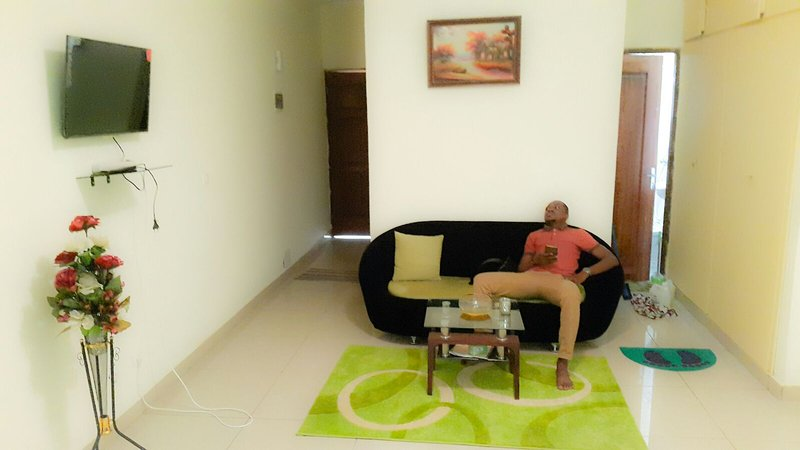 Central  Apartement Riviera Palmeraie, holiday rental in Yopougon