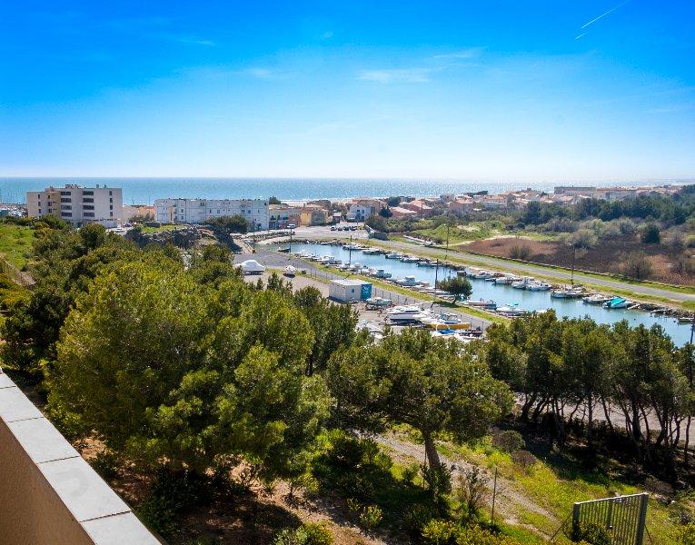 Bel appartement bord de mer à St Pierre la Mer, alquiler vacacional en Saint-Pierre-la-Mer