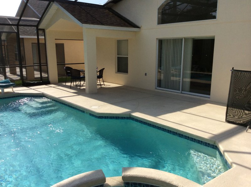 Spa pool villa with golf course views, vacation rental in Haines City
