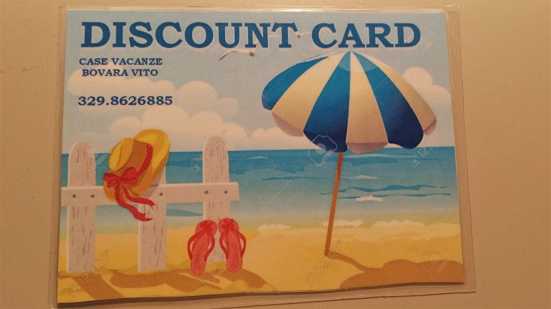 Esta es la tarjeta de descuento para presentar a las tiendas participantes
