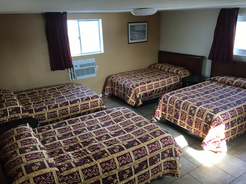 Bedroom with Four Double  Bed