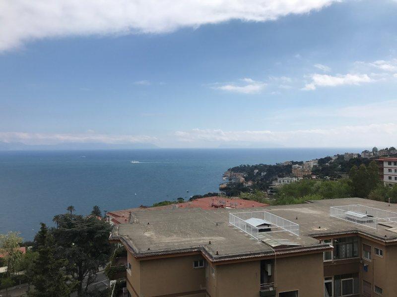Loft CharlieMax a Posillipo con vista, holiday rental in Bagnoli