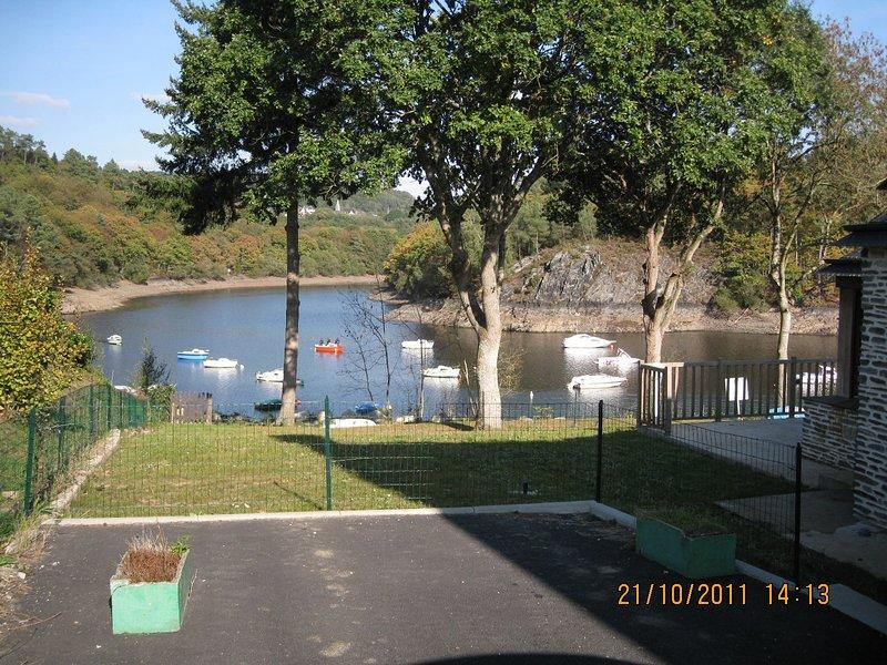 Lake side Vieuw, vacation rental in Silfiac