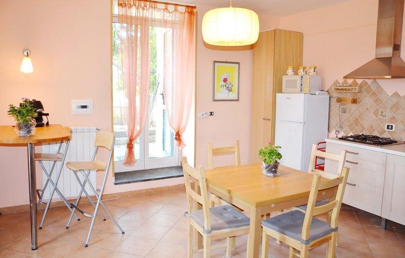 Appartamento B in villa con giardino, gratis posto auto e Wi-Fi – semesterbostad i Ercolano