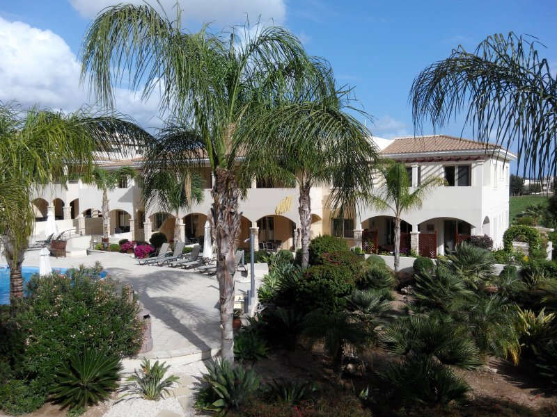 2 Bedroom Holiday Apartment, aluguéis de temporada em Nata