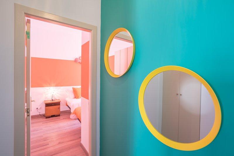 toegang tot twee oranje slaapkamer