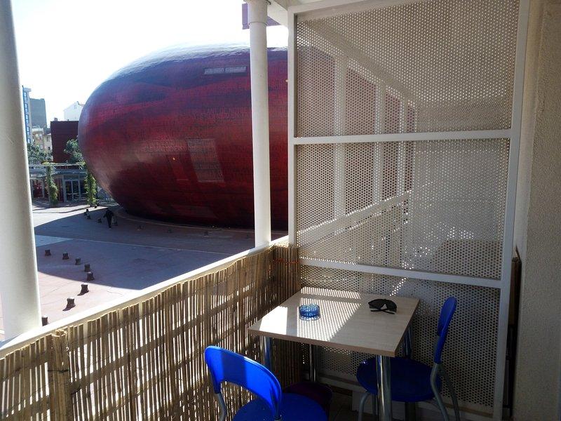 Studio avec Parking 1à4 Pers au Pied du Théâtre de l'archipel, holiday rental in Peyrestortes