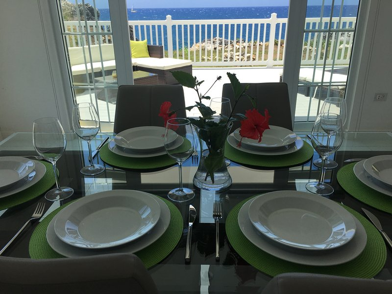 Dine with ocean view!