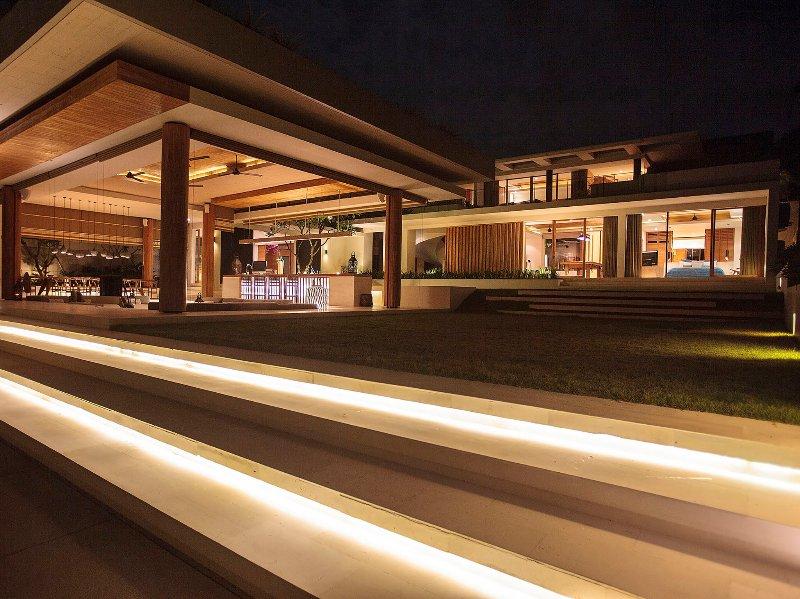 L'Iman Villa - scène de nuit